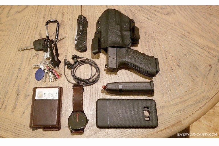 A Big GLOCK EDC: Everyday Carry Pocket Dump of the Day - The Truth ...